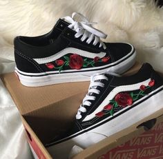 Rose Embroidered Old Skool Vans