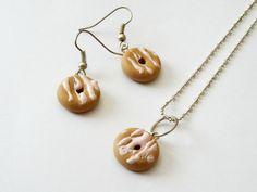 Conjunto Donuts con Crema de Fresa de Entodomemeto por DaWanda.com