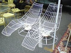amazing vintage outdoor mid century modern wire lounge chairs!