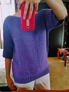 Dejlig, stor, vamset sweater, også til store piger. Den er her strikket i akryl, men andet (fx uld/bomuld) kan bruges. Pinde 5. Læs mere ... Yarn Crafts, Diy And Crafts, Knit Baby Dress, Drops Design, Garter Stitch, Baby Knitting, Women Wear, Pullover, Sweaters