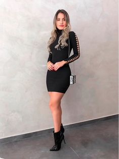Vestido Side Metal John John Outfit Vestido Negro, Beauty Night, T Shirt And Jeans, Sexy High Heels, Fashion Outfits, Womens Fashion, Dress Up, Fashion Looks, John John