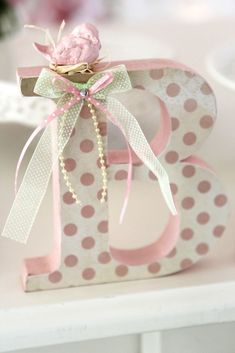 Letra MDF Decorada Letra com 15 cm altura, 18 mm de espessura. Pintada e for . Mdf Letters, Monogram Letters, Craft Projects, Projects To Try, Diy And Crafts, Arts And Crafts, Letter A Crafts, Baby Decor, Diy Gifts