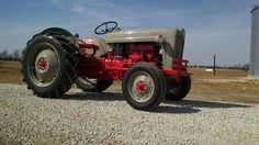 Antique Tractors, Vintage Tractors, Classic Tractor, Ford Tractors, Old Farm, Heavy Equipment, Jeep, Lawn, Heaven