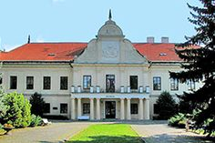 Tőketerebes Andrássy-kastély Capital Of Hungary, Beautiful Castles, Palaces, Czech Republic, Homeland, Fashion History, Explore, Group, Mansions