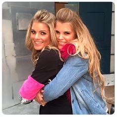 >> Benieuwd naar onze nieuwe fotoshoot Ladies? Het was weer heel leuk met deze 2 Beauties! 😍 Op de beelden moeten jullie nog even wachten, maar in onze winkels zijn al heel veel nieuwe spulletjes! 🙌🏼 Check it out!👌🏼