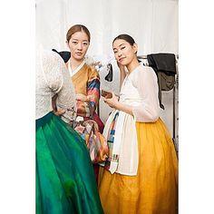 #밀라노엑스포 한국의 날, #한복패션쇼 #백스테이지 모델이 입은 바느질풍경 한복입니다 #hanbok  #sewinglandscape  #바느질풍경  #한복  #김복희