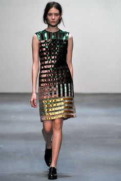 Christopher Kane Fall 2009 Ready-to-Wear Fashion Show - Alina Ismailova