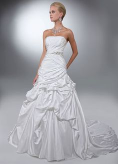 Da Vinci Wedding Gown ~ Show Stopping Bridal Gown, A Must See ~ Lasting Impressions Sioux Falls, SD