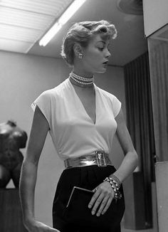 We want this blouse to wear with our black pencil skirt. And we love the pearl choker. Jean Patchett #1950's #design #fashion