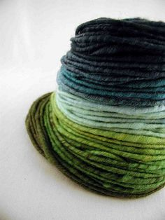 blue green yarn to dye for! Spinning Yarn, Hand Spinning, Art Du Fil, Yarn Inspiration, Hand Dyed Yarn, Yarn Colors, Knitting Yarn, Blue Skies, Weaving