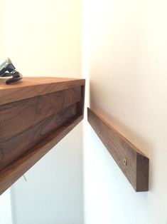 Floating Shelf / Modern Entryway Wall Organizer with Magnetic Key Hooks in… (Woodworking Cabinets) Modern Bedside Table, Floating Nightstand, Nightstand Ideas, Floating Table, Floating Cabinets, Floating Tv Console, Walnut Floating Shelves, How To Make Floating Shelves, Floating Shelf With Drawer