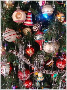 Vintage Christmas Trees: My tree is decorated each year with these kind of vintage ornaments from the 50's and 60's.