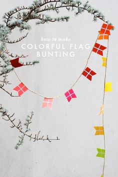 How to make colorful flag garland/bunting by The House That Lars Built. Bunting Garland, Diy Garland, Diy Bunting, Party Garland, Buntings, Mobiles, Diy Birthday Banner, Paper Crafts, Diy Crafts