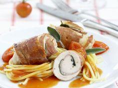 Kalbsroulade im Schinkenmantel auf Spaghetti ist ein Rezept mit frischen Zutaten aus der Kategorie Kalb. Probieren Sie dieses und weitere Rezepte von EAT SMARTER!