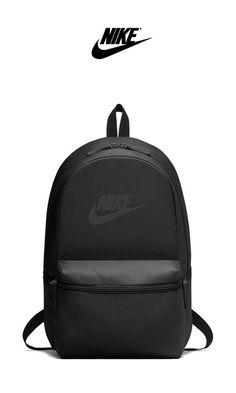 The Best New Backpacks For 2018 Nike – Heritage Backpack Preppy Backpack, Black Backpack, Backpack Bags, Fashion Backpack, Nike School Backpacks, Trendy Backpacks, Nike Fashion, Fashion Bags, Style Fashion