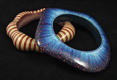 Polymer Clay Bracelet, Polymer Clay Art, Metal Clay Jewelry, Paper Jewelry, Play Clay, Clay Design, Clay Dolls, Handmade Design, Hangers