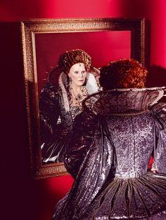 "Sondra Radvanovsky as Queen Elizabeth in Donizetti's ""Roberto Devereux"" Singer Costumes, Metropolitan Opera, Opera Singers, Types Of Music, Queen Elizabeth, The Outsiders, World, Divas, Image"