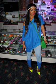 toya wright 80's skating party