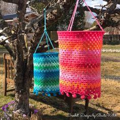 Crochet lanterns for summer parties by BautaWitch. Crochet Bedspread Pattern, Crochet Baby Blanket Free Pattern, Baby Afghan Crochet, Crochet Squares, Crochet Baby Costumes, Crochet Dog Clothes, Crochet Baby Boots, Crochet Dollies, Crochet Daisy