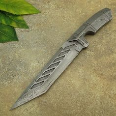 Jacob Smith's CUSTOM HANDMADE DAMASCUS STEEL TANTO KNIFE | FULL INTEGRAL FORGED