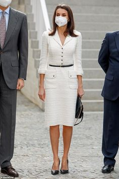 Queen Letizia of Spain looked chic in a monochrome outfit as she re-worere-wore a Felipe ... Style Icons Inspiration, New Street Style, Monochrome Outfit, Tweed Dress, Looks Chic, Queen Letizia, Royal Fashion, Day Dresses, Winter Fashion