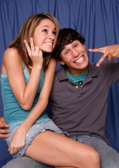 Take silly pictures with your boyfriend<3