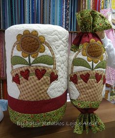 Capa de água e puxa saco Patch Quilt, Applique Quilts, Sewing Crafts, Sewing Projects, Appliance Covers, Diy And Crafts, Arts And Crafts, Quilting, Love Sewing