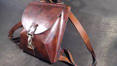 Рюкзак из натуральной кожи. a leather backpack.