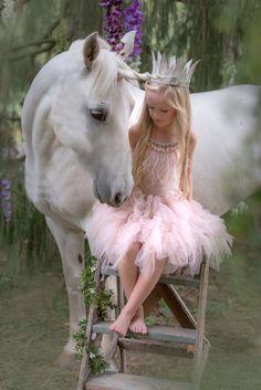 Image source: Pamela Salai  Unicorn , Magic, Pittsburgh, tutu du monde, Dreams, fairytale, white horse, magical www.pamelasalaiphoto.com