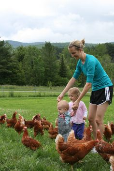 Our kids and our hens #peteandgerrys #cagefreeeggs #cagefreekids