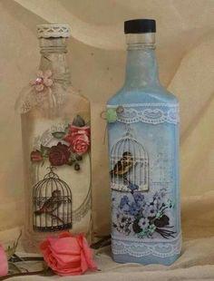 Resultado de imagem para how to fabric decoupage wine bottle Recycled Wine Bottles, Painted Wine Bottles, Lighted Wine Bottles, Painted Wine Glasses, Vintage Bottles, Glass Bottles, Glass Bottle Crafts, Wine Bottle Art, Diy Bottle