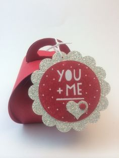 Stampin' Up! Valentine Curvy Keepsake Box designed by demo Beth McCullough.  See more card and gift ideas at www.StampingMom.com #StampingMom