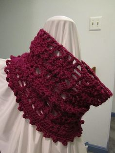 The Spiderweb Cowl is a free crochet pattern offered by About.com Crochet.