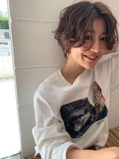 Tomboy Haircut, Short Hair Tomboy, Tomboy Hairstyles, Girl Short Hair, Short Hair Cuts, Short Hair Hacks, Shot Hair Styles, Curly Hair Styles, Korean Short Hair