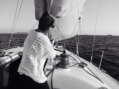 Go on fill your heart up with gladness -----------------------------------------------------  nick mulvey - fever to the form -----------------------------------------------------  @kechisailing ----------------------------------------------------- #bw #bnw #sailing #istanbul #turkey #sail #nickmulvey #nature #seaworld #training #sailboat #sailingphotography #vsco #igdaily #lastsong #wind #sailzone #azuree #cruiser by clumsy_lobster