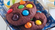 Des #cookies aux #Smarties pour le #goûter Biscotti Biscuits, Cookies Et Biscuits, Food Art, Mousse, Deserts, Food And Drink, Chocolate, Eat, Cooking