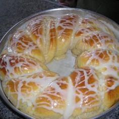 Receita de Pão Doce de Coco do Edu Guedes - 1 kg farinha de trigo, 3 ovos, 1 xíc. (chá} de manteiga, 1 e 1/2 xíc. (chá) de leite condensado (1 lata), 1 e 1/...