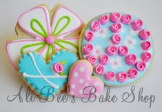 ...well for now anyway... :) I recently participated in a Cookie Swap with a few fellow cookie gals (who I adore). Here is what I made f...