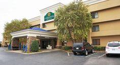 La Quinta Inn & Suites Goodlettsville – Nashville - 3 Star #Hotel - $89 - #Hotels #UnitedStatesofAmerica #Goodlettsville http://www.justigo.org.uk/hotels/united-states-of-america/goodlettsville/goodlettsville_116531.html