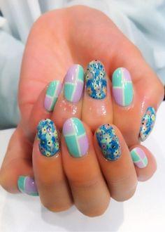Floral Inspired Vintage Nail Art