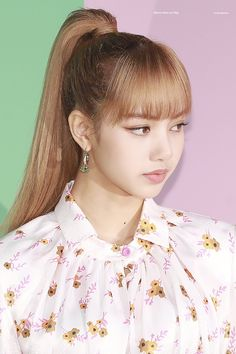 Blackpink Lisa, Yugyeom, Hairstyles With Bangs, Girl Hairstyles, Kpop Hairstyle, K Pop, Lisa Hair, Blonde Asian, Model Face
