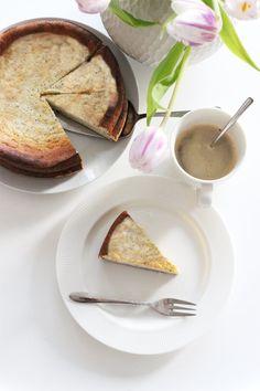 Jetzt habe ich einen besonderen Käsekuchen gebacken, denn man sogar ganz ohne schlechtem Gewisse essen kann. Einen köstlichen Low Carb Mohn-Käsekuchen ist neulich aus meinem Backofen gesprungen. Er ist wundervar cremig und sekr einfach zu Backen. #käsekuchen #lowcarb #cheesecake #WeightWatchers #WW #WeightWatchersKuchen #WeightWatchersrezept #diet #abnehmen #käsekuchen #sonntagsistkaffeezeit Weight Watchers Kuchen, Cheesecake, French Toast, Paleo, Sweets, Breakfast, Ethnic Recipes, Cooking Ideas, Food