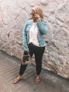 Fashion Look Featuring Ray-Ban Sunglasses and Free People Tees by kylatori - ShopStyle Curvy Girl Outfits, Curvy Girl Fashion, Look Fashion, Plus Size Fashion, Womens Fashion, Casual Bar Outfits, Fall Outfits, Stylish Mom Outfits, Casual Shorts