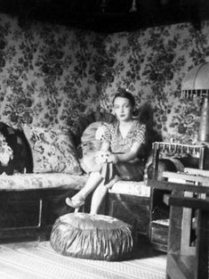 Marguerite Duras, Think, 1930s, Country, Writers, Health, Nantes, Profile, Pretty Pictures
