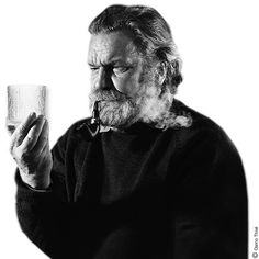 Tapio Wirkkala was a multitalented design genius, widely considered a leading figure of modern Finnish industrial art. Nordic Design, Glass Design, Retro, Designer, Metallica, Scandinavian, Glass Art, Sculptures, Beautiful