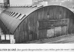 Den gamle Bergenshallen ( Sangerhallen ) i Lars Hillesgt. Bilde fra Bergen på 50 tallet fra BT.