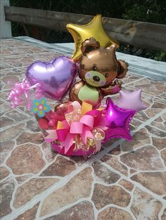Nuevamente osito en base cerámica para cumpleaños Valentine Bouquet, Birthday Bouquet, Birthday Diy, Gift Bouquet, Candy Bouquet, Balloon Bouquet, Valentines Balloons, Happy Birthday Balloons, Balloon Centerpieces