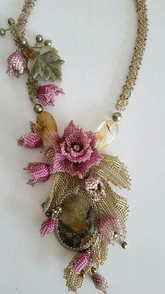 Seed Bead Necklace, Seed Bead Jewelry, Bead Jewellery, Seed Bead Flowers, Beaded Flowers, Beaded Necklace Patterns, Beading Patterns, Bead Embroidery Jewelry, Beaded Embroidery