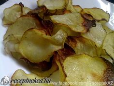 Otthoni chips Chips, Potato Salad, Potatoes, Ethnic Recipes, Food, Potato Chip, Potato, Hoods, Meals
