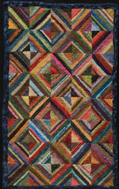 """Locker Hooking With Fabric Strips"" Book Rug Hooking Designs, Rug Hooking Patterns, Rug Patterns, Textiles, Bordados E Cia, Locker Hooking, Latch Hook Rugs, Rug Inspiration, Hand Hooked Rugs"